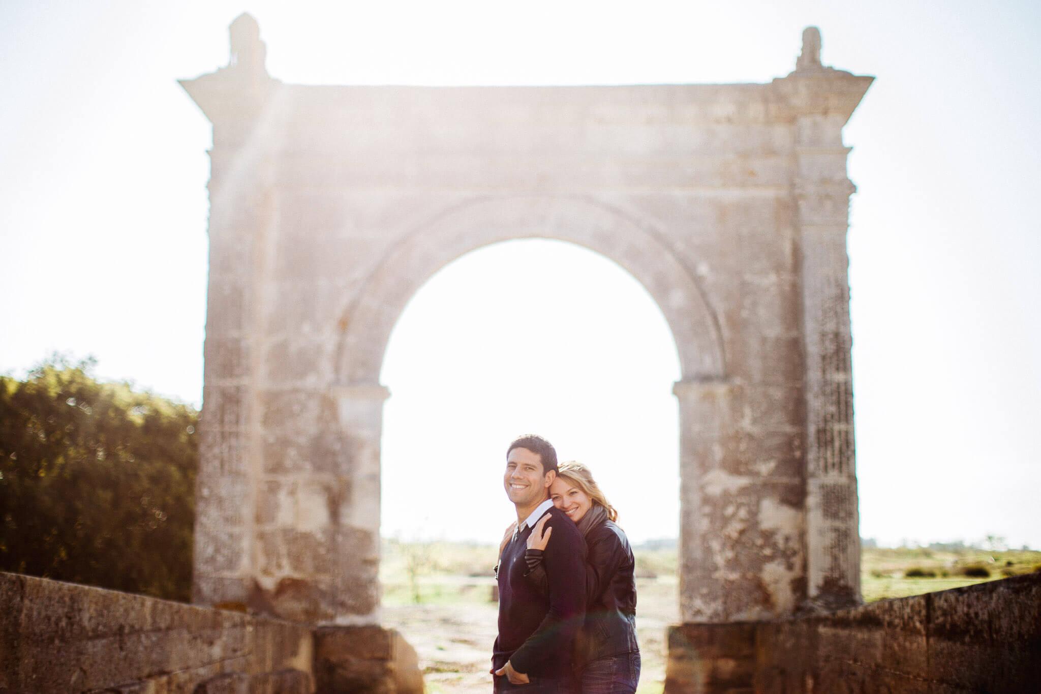 faire-poser-un-couple-et-obtenir-des-photos-tres-naturelles-001