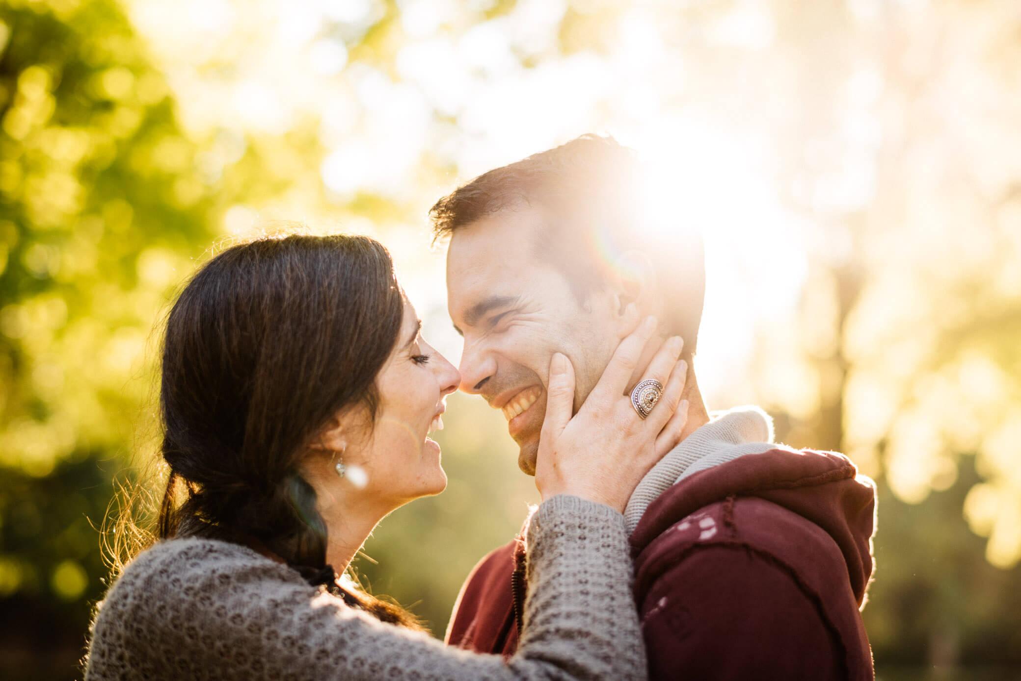 faire-poser-un-couple-et-obtenir-des-photos-avec-de-l-emotion03