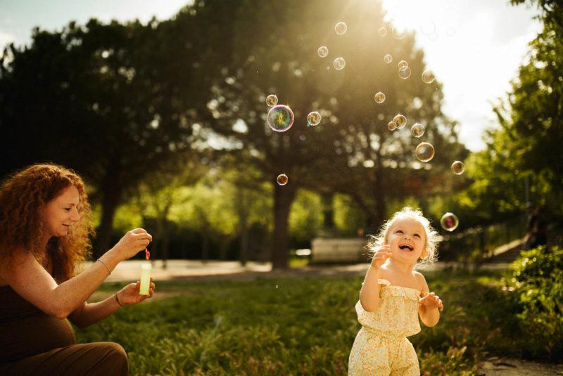 7 astuces pour des photos de famille spontanées